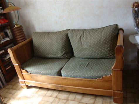 transformer un lit en canapé bois lit merisier occasion clasf