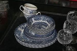 Merry Old England : blue white merrie olde england hostess tableware ironston ~ Fotosdekora.club Haus und Dekorationen