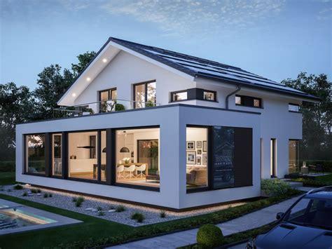 Modernes Designhaus Mit Satteldach Haus Hausdesign Balkon