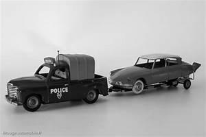 Renault Clamart : une voiture une miniature renault colorale police c i j filrouge automobile ~ Gottalentnigeria.com Avis de Voitures