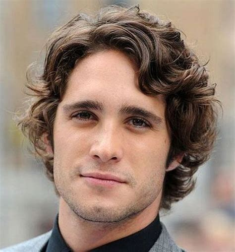 21 professional hairstyles for men eye candy wavy hair