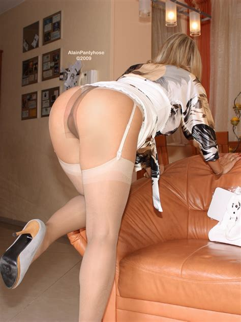 Hot Mature Ala Pantyhose Over Stockings Mature Porn Photo