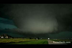 Frightening Video of Largest Tornado Ever - 2.6 Miles Wide ...