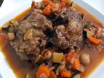 cuisiner la queue de boeuf recette de queue de boeuf à l 39 andalouse