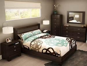 Möbel Für Kleine Zimmer : schlafzimmer designs mit braun m bel ideen f r paare ~ Frokenaadalensverden.com Haus und Dekorationen
