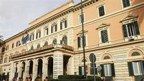 Ufficio Immigrazione Bari by Malore All Ufficio Immigrazione Falso Allarme Per Un