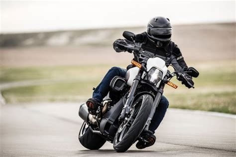 Gambar Motor Harley Davidson Fxdr 114 by Harley Davidson Fxdr 114 Unveiled 2019 Cvo Line Up Updated