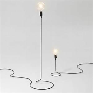 Lampe Design Sur Pied : lampe sur pied design lampe tactile de chevet marchesurmesyeux ~ Teatrodelosmanantiales.com Idées de Décoration