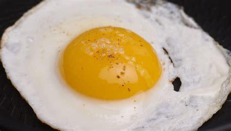 vinaigre d alcool cuisine mariatotal œufs sur le plat ou pochés