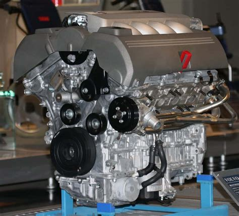 car engine whats  difference mechanic base