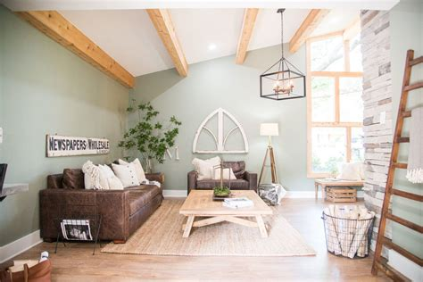 how to choose the farmhouse paint colors