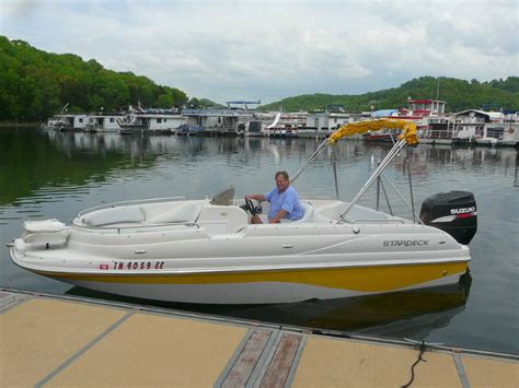 Fishing Boat Rentals Tennessee by Deck Boat Rentals Near Nashville Rent A Deck Boat