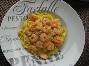 Assiette Pour Pates : tagliatelles aux crevettes curry et noix de cajou ~ Teatrodelosmanantiales.com Idées de Décoration