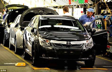 toyota car company toyota back on pole as world 39 s biggest car company as