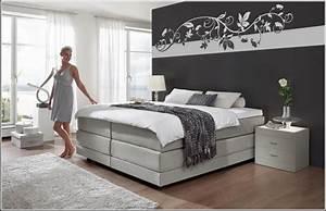 Schlafzimmer wande farbig gestalten for Schlafzimmer farbig gestalten