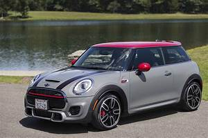 Mini Cooper S Jcw : 2015 mini john cooper works hardtop racing inspired joy rides automotive rhythms ~ Medecine-chirurgie-esthetiques.com Avis de Voitures