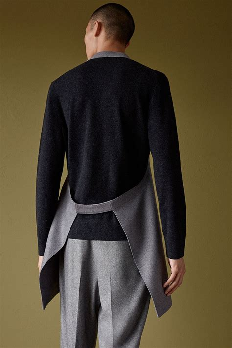 COS Gets Architectural for Bauhaus-Inspired Collection