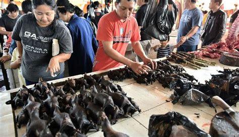 pasar extreme  manado sediakan tikus ular biawak