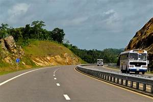 Sri Lanka Transport: Expressway between Colombo and Galle ...