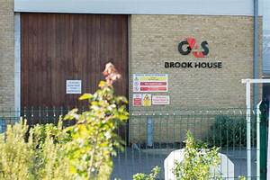 G4S immigration centre staff suspended after detainees ...