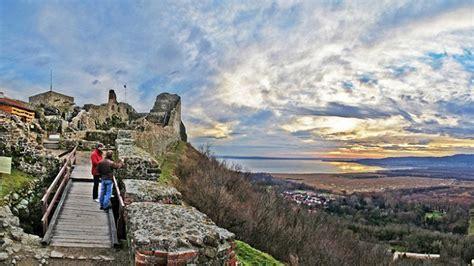 Várak, kastélyok, templomok a történelmi magyarország területéről. Szigligeti Vár - Tubi Resort