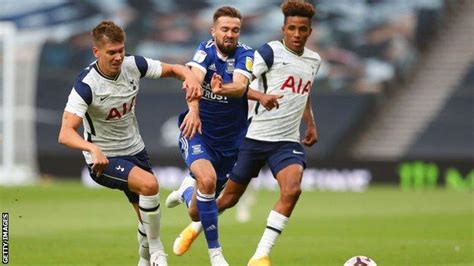 Tottenham: Juan Foyth signs new deal before loan move to ...