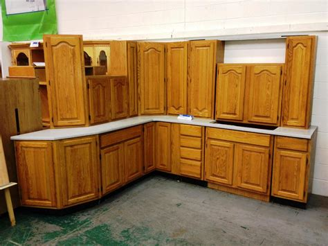 free standing kitchen cabinets lowes kitchen kraftmaid cabinets lowes free standing kitchen