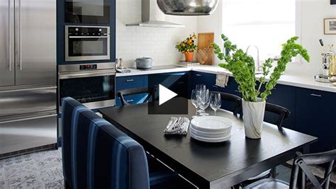 midnight blue kitchen cabinets trending now kitchens with contrasting cabinets 7501