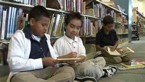 Dallas ISD Students Use School Libraries To Succeed - YouTube