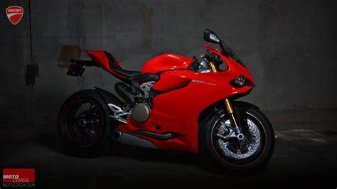 seducative  motocorsa alicia elfving