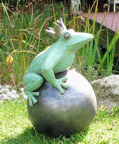 keramik kunst für den garten der froschk 246 nig f 252 r den garten keramik kunst t 246 pfern keramik kunst