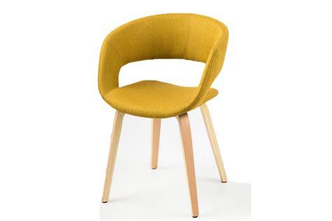 chaise design pied bois chaise design jaune curry pieds bois sab miliboo