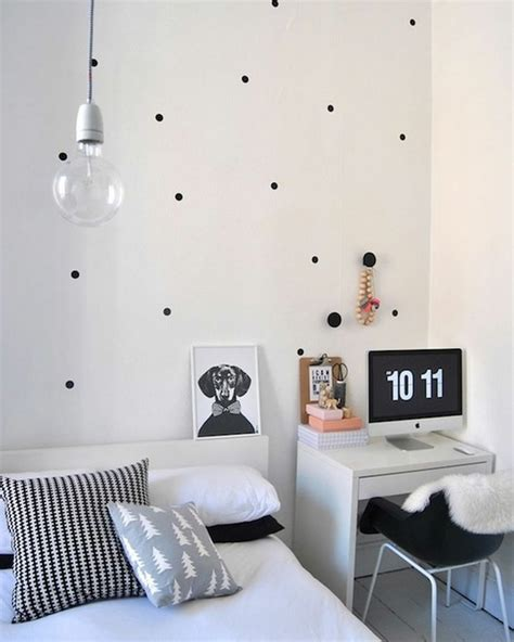 Small Bedroom Ideas Black And White by Best 10 Small Desk Bedroom Ideas On Small