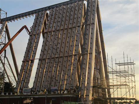 tre casettine dai tetti aguzzi la cattedrale di cartone