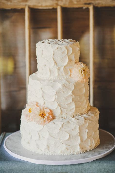 Rustic White Cake By Alessi Bakery Rusticweddingcake