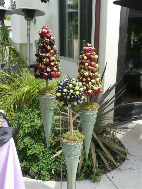 210 Best Edible Topiaries, Wreathes And Centerpieces