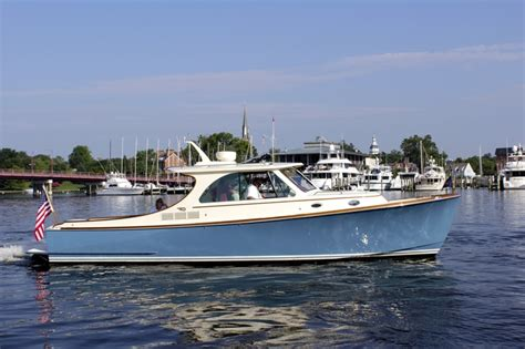 Hinckley Yachts News by The Exquisite New Hinckley T34 Slightly Scaled
