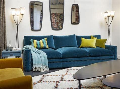 canapé rotin maison du monde coup de cœur pour le canapé en velours bleu rise and shine