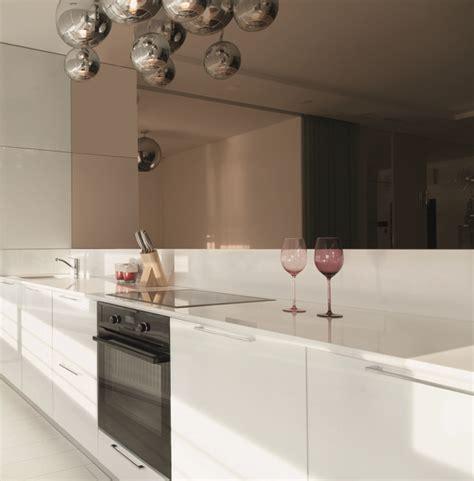 cuisine miroir crédence de cuisine miroir sur mesure