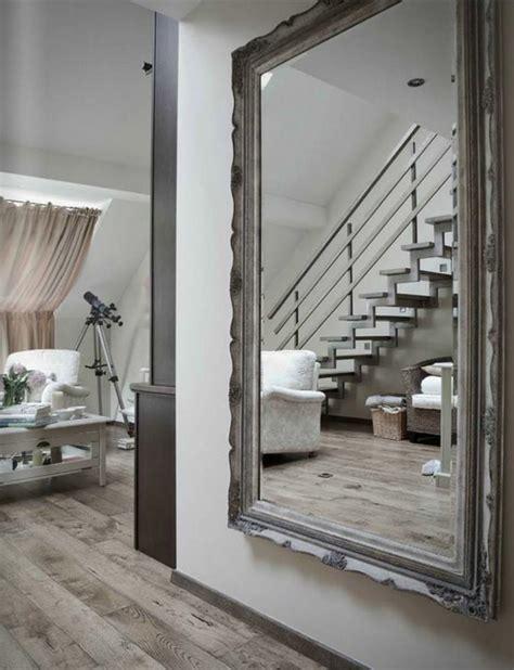 grand miroir chambre le miroir mural grande taille accessoire pratique et