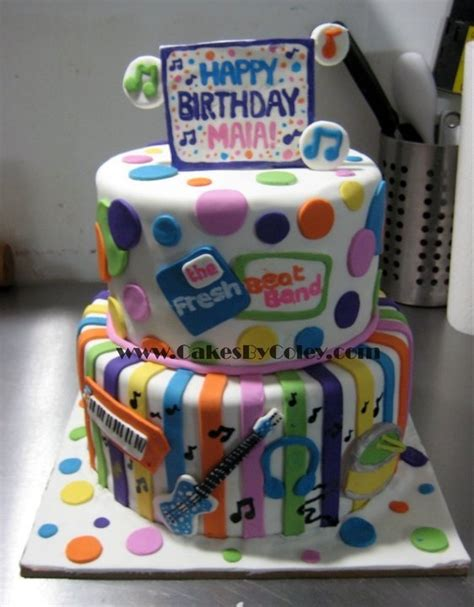character cakes images  pinterest anniversary