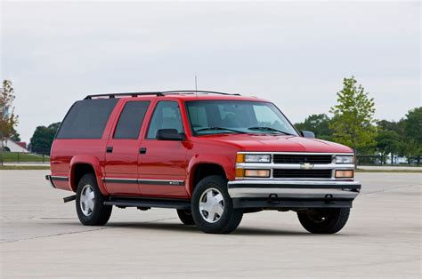 chevy suburban chevrolet suburban evolution of an icon