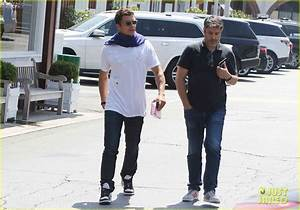 Orlando Bloom Steps Out in T-Shirt Designed by Son Flynn ...