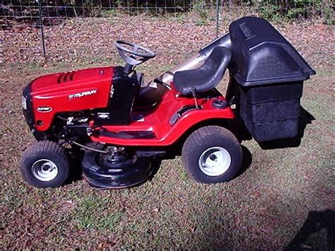 Murray Lawn Tractor / Riding Lawn Mower, W/grass Catcher