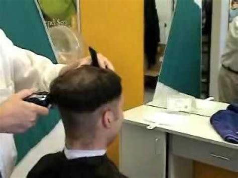 Jamo gettin his hair cut   Doovi