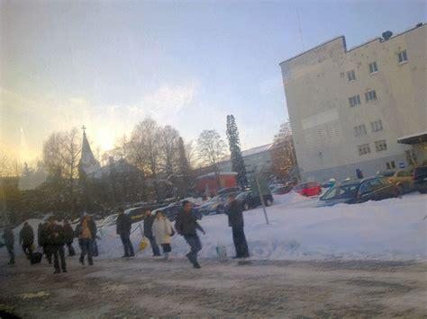 siege autot nettisanomat 2010 03 04 kuvia 300 metriä vapaudenkatua