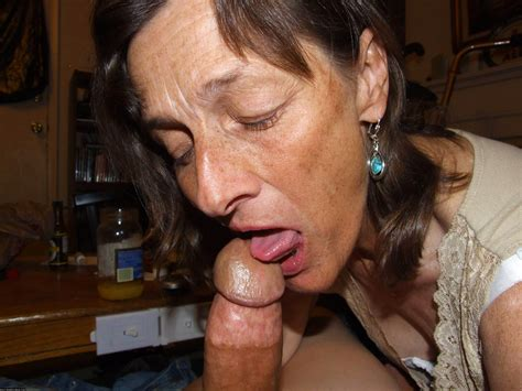 194599089  In Gallery Mature Milf Handjob Blowjob Picture 10 Uploaded By Fucks On