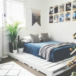 Comment Faire Un Lit En Palette : comment faire un lit en palette 52 id es ne pas manquer diy pinterest lit maison et ~ Nature-et-papiers.com Idées de Décoration