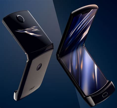 Qualcomm snapdragon 855+ under the hood, the phone offers snapdragon 855+ with 8gb and 256gb storage. Motorola Brings Back The Razr: Flip-Phone In 2020