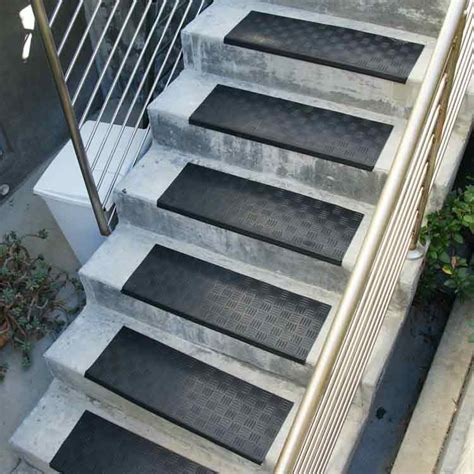 How Do You Install Carpet by Rubber Stair Treads Provide Safety And Protection Anywhere